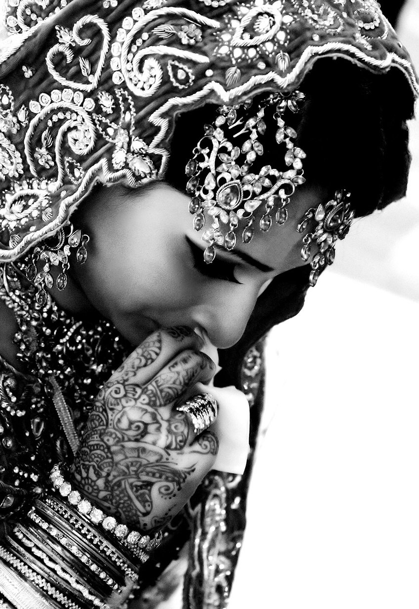 Bride an emotional moment by Aozma Qureshi