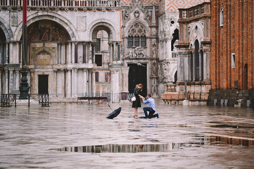 Surprise wedding proposal Venice