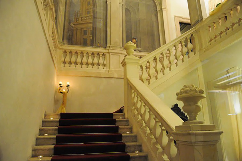 The inner staircase of the palace